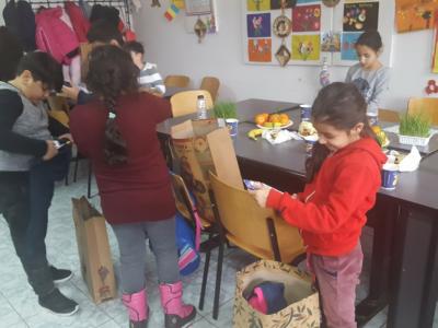 Poza Mosul a venit si la copii defavorizati de la DGASPC Sec.6 centrul de zi 4